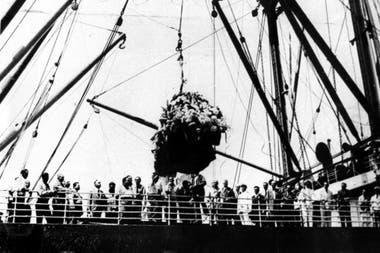 La llegada de los restos de Carlos Gardel a Buenos Aires