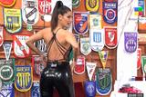 Silvina Escudero le enseño a Luisa Albinoni la forma para posar de espaldas en Instagram