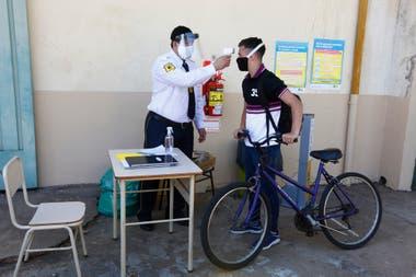 En el turno de la mañana hubo diez alumnos que trabajaron con Bret