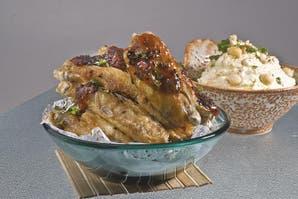 Alitas de pollo con salsa de morrón asado y chile