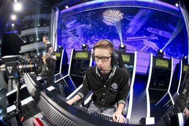 "Søren ""Bjergsen"" Bjerg, estrella del equipo Team Solomid de League of Legends"