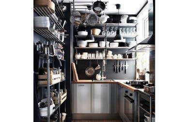 8 cocinas con aire industrial la nacion - Utensilios de cocina industrial ...