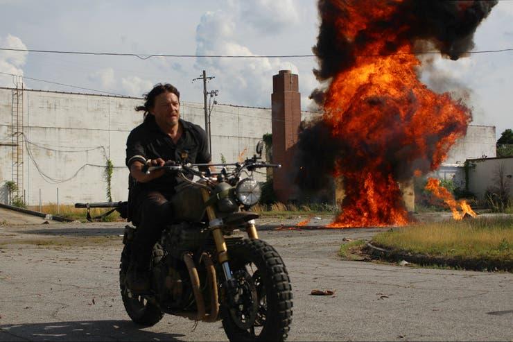 En un mundo sin ley, Norman Reedus impone sus propias reglas en The Walking Dead