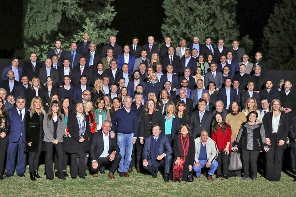 Macri les pidió a sus legisladores dejar de lado las diferencias para enfrentar los problemas económicos