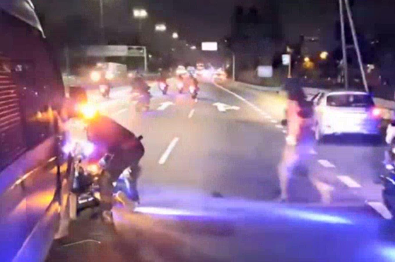 El increíble accidente de la policía en la caravana de Boca rumbo a Ezeiza