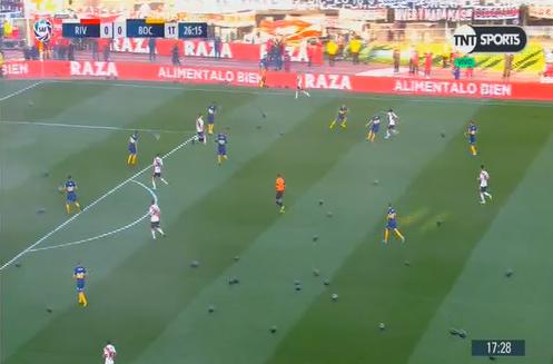 El minuto de globos negros: así fue la cargada de River a Boca por la final de la Copa Libertadores