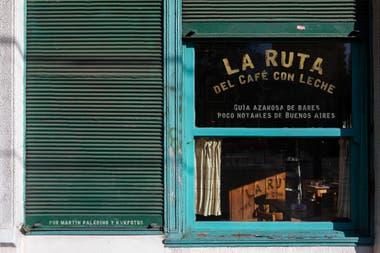 """La Ruta del Café con Leche se editará como libro cuando los autores hayan reseñado los primeros 60 bares """"poco notables de la Ciudad"""""""