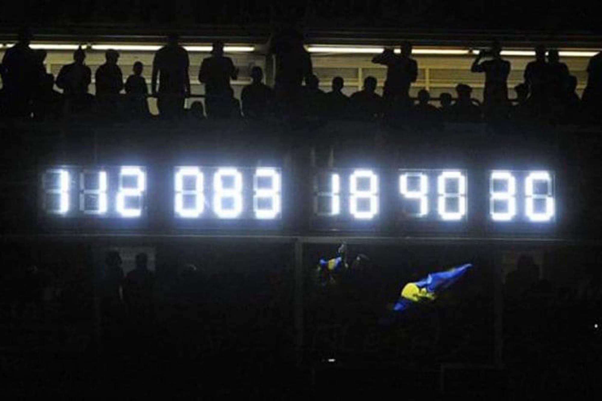 Adiós al morbo de Boca: quitaron el reloj que contaba los años sin descender