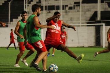 Para Central Córdoba el encuentro es importante por el promedio; para Boca lo es por la carrera hacia el título de campeón.