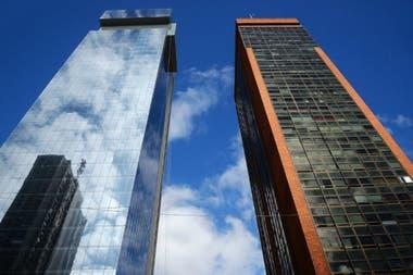 Después: La torre que debería albergar al nuevo Odeón