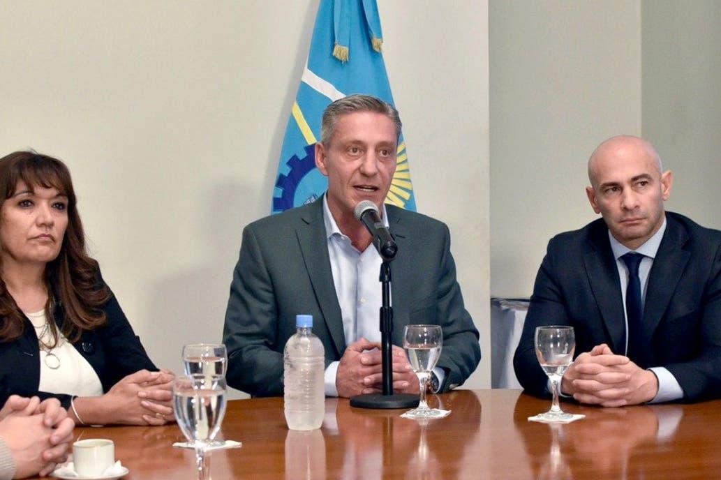 Se agrava la crisis en Chubut por el atraso de los pagos a los estatales