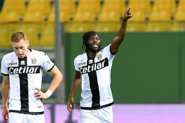 Parma marcha duodécimo en la Serie A italiana se mide mañana a las 14.30 de Argentina con Bologna por la fecha 32 del Calcio; el partido no corre riesgo por el nuevo caso de coronavirus en el club parmesano.