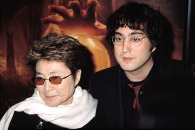 Yoko Ono mantiene una relación muy cercana con su hijo Sean Lennon