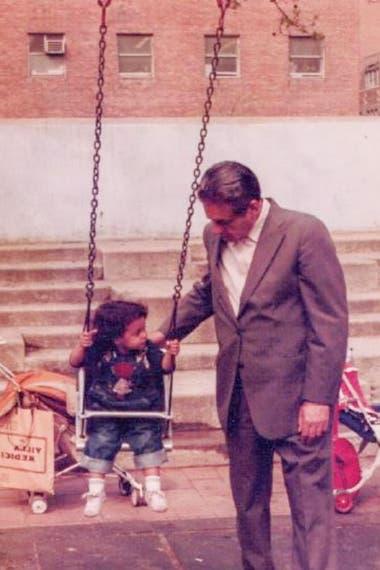 Con su sobrina nieta Laura Favaloro, de 2 años