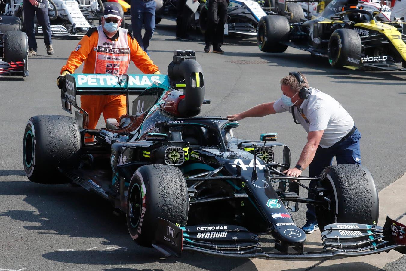 Las ampollas de los neumáticos del auto de Lewis Hamilton, un reflejo del desproporcionado desgaste al que Mercedes sometió a las gomas; la escudería de Brackley necesitará revisar las razones que provocaron el deterioro de los compuestos blandos para no sufrir en la cita de Barcelona