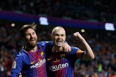 El argentino necesita un resto de equipo que lo cobije y lo potencie; Andrés Iniesta fue un notable abastecedor de Messi.