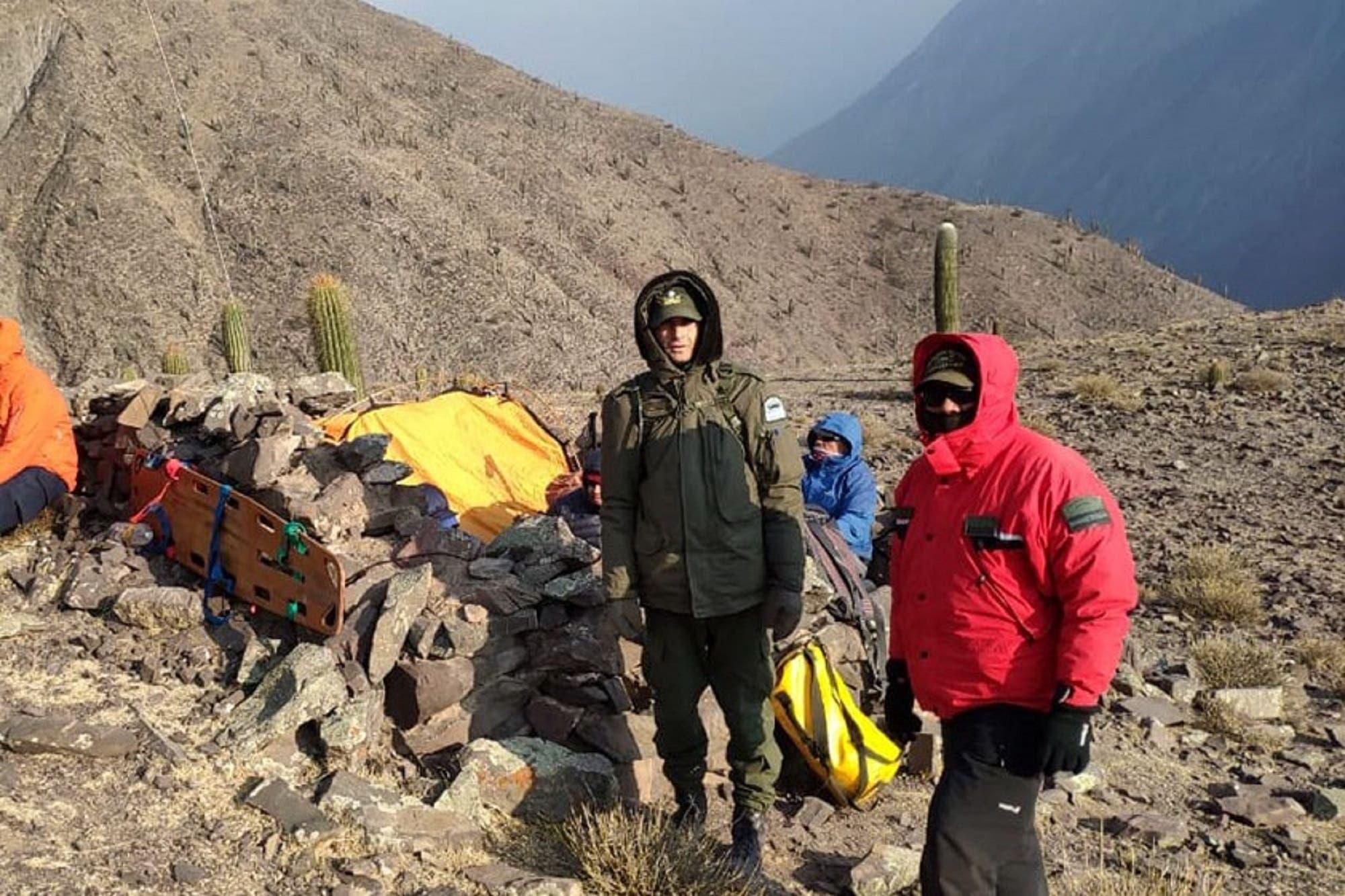 Otro rescate: esta vez, de una mujer accidentada en la alta montaña