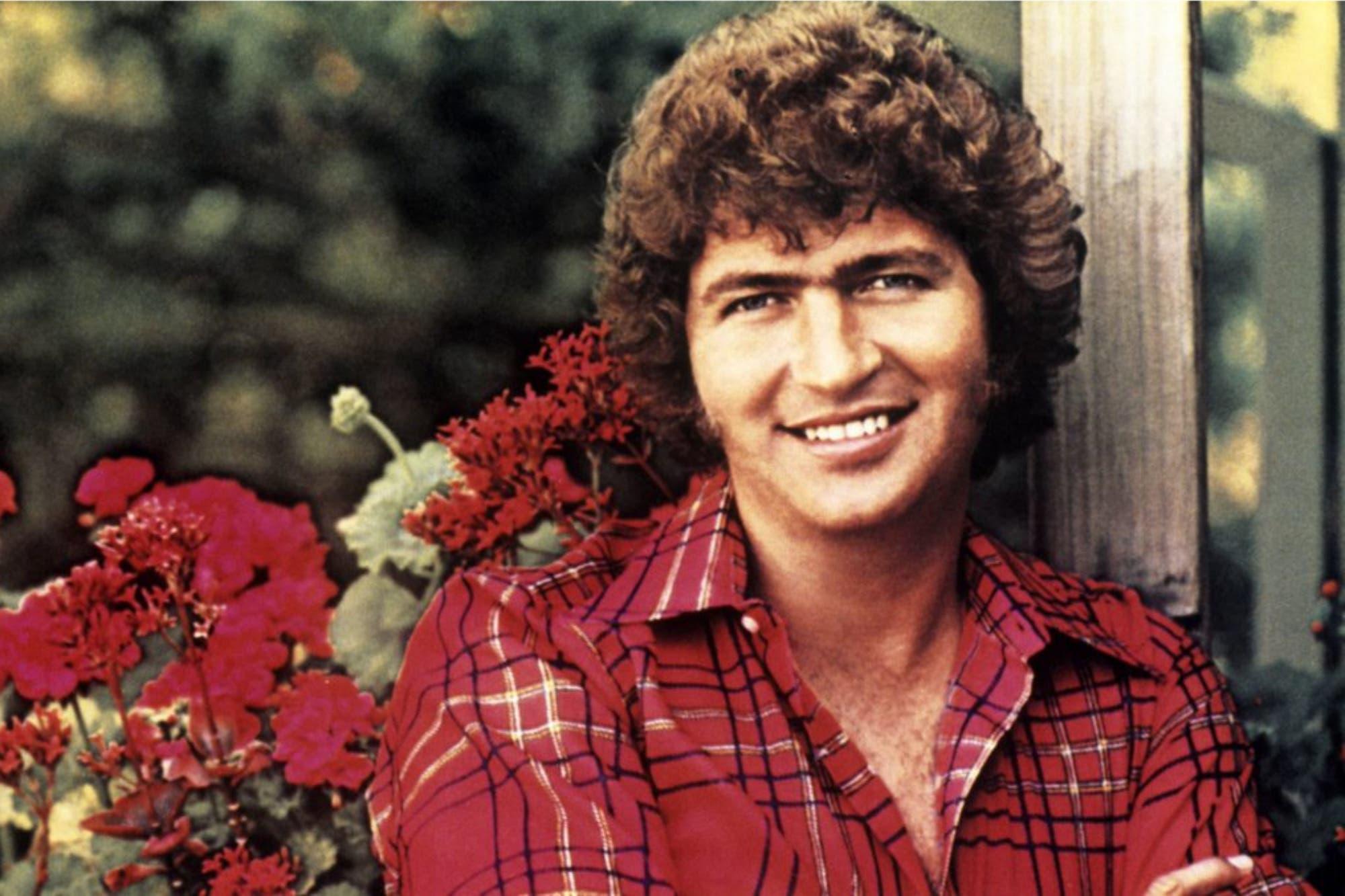 """Murió Scott """"Mac"""" Davis, el creador de varios éxitos de Elvis Presley"""