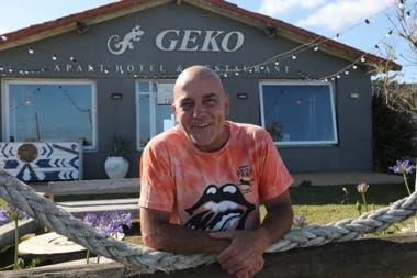 Richard Johnson dueño del complejo Geko, fue buzo táctico en plataformas petroleras