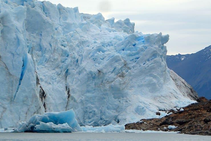 Dique de hielo desde el Brazo Rico, Pared Sur