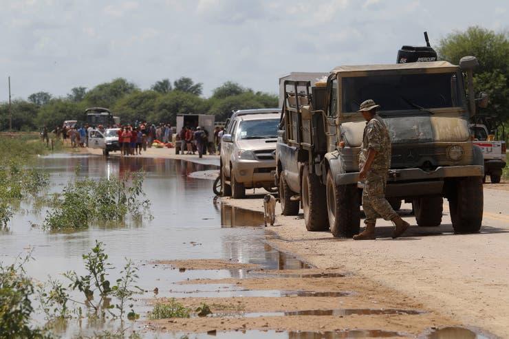 Resultado de imagen para defensa en ayuda por las inundaciones en Salta