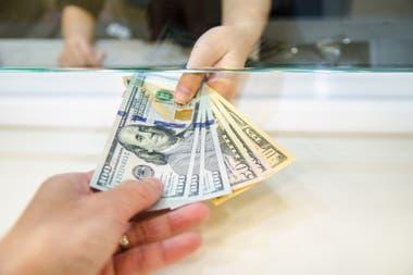 Cómo se instrumenta el cobro o devolución del tributo varía según el banco