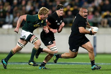 Karl Tuinukuafe, de patovica de 170 kilos a los All Blacks