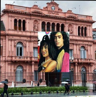 Uno de los memes que hicieron con la bandera de la Casa Rosada por San Valentín.