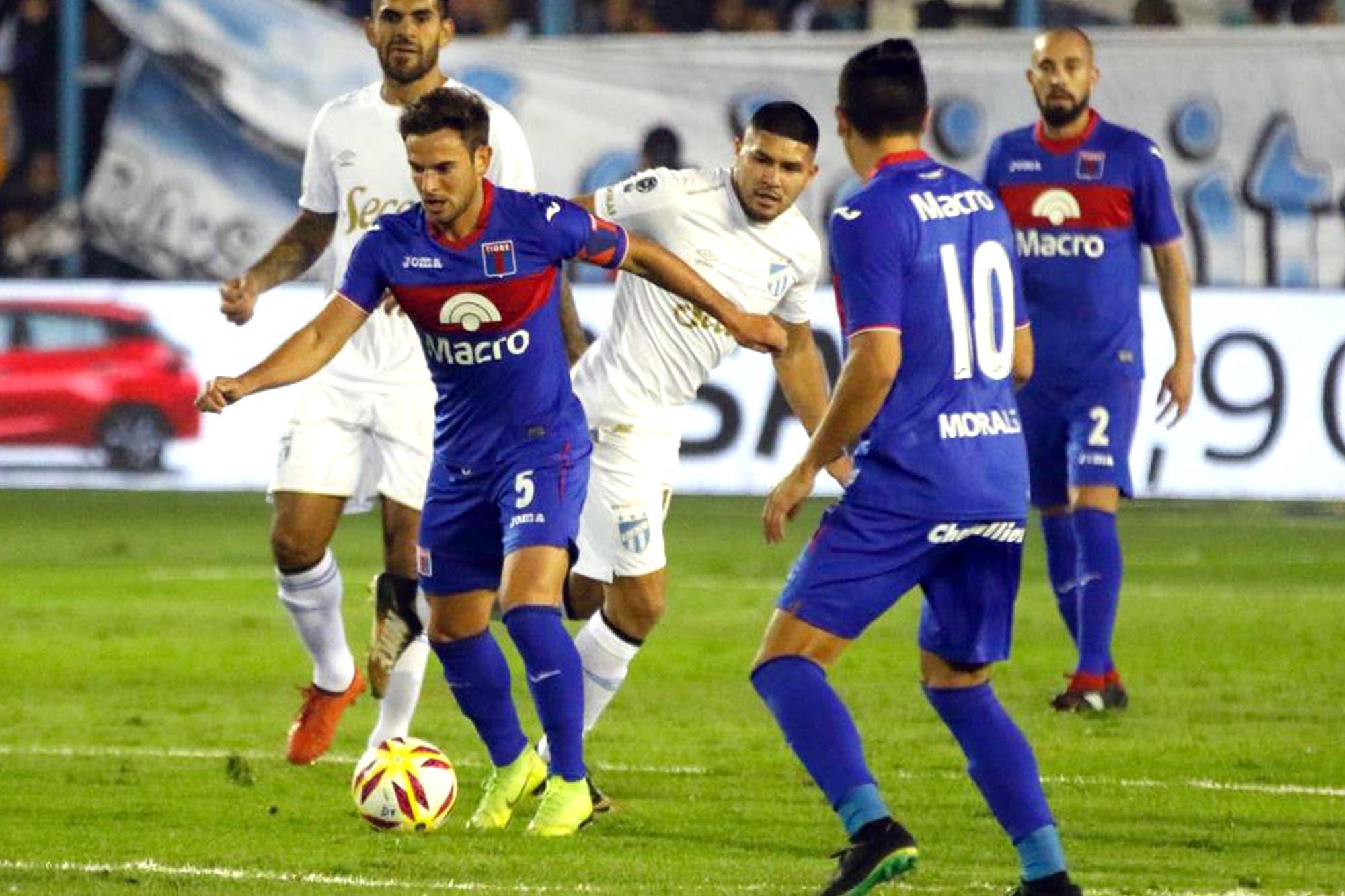 Descendido y finalista: Tigre ganó también en Tucumán y definirá la Copa de la Superliga
