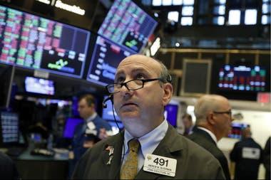 Los tipos de cambio a los que se accede a través de la compraventa de activos financieros subían esta mañana