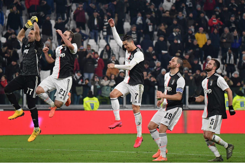 Juventus liquidó a Roma en el primer tiempo y avanzó a semifinales de la Copa Italia