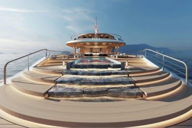 En la popa, la embarcación cuenta con una piscina y una cascada
