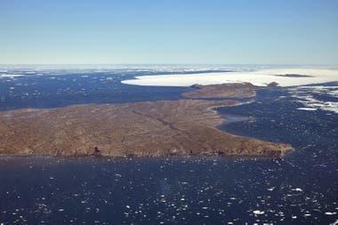 La Antártida cuenta con muchas bases científicas de diferentes naciones, hasta el momento no se anunciaron casos