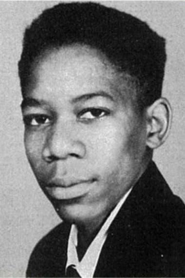 EL actor tuvo una infancia con algunas privaciones y muchs mudanzas entre Tennesse, Mississippi e Ilinois