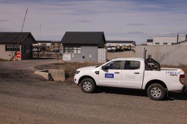 El playón donde se encuentran las maquinarias y vehículos de Austral Construcciones.
