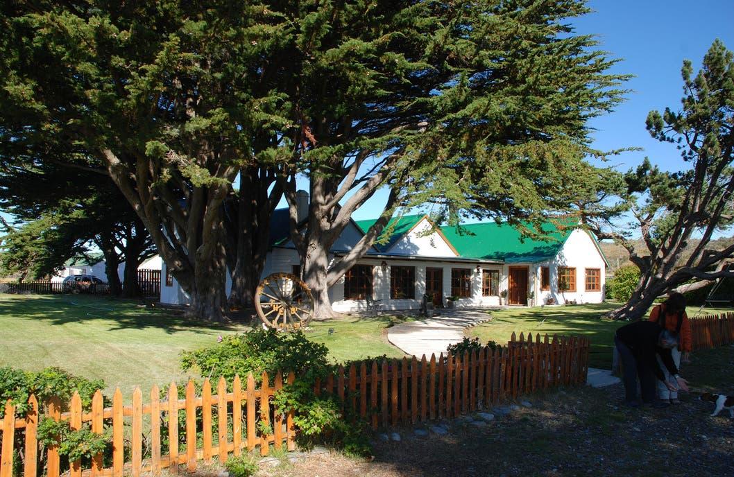 El casco de la estancia Monte Dinero, en Cabo Vírgenes, Santa Cruz