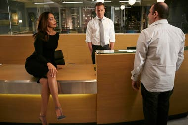 La actriz Gina Torres también deja Suits para tener su propia ficción, gracias al éxito de su poderoso personaje, Jessica Pearson