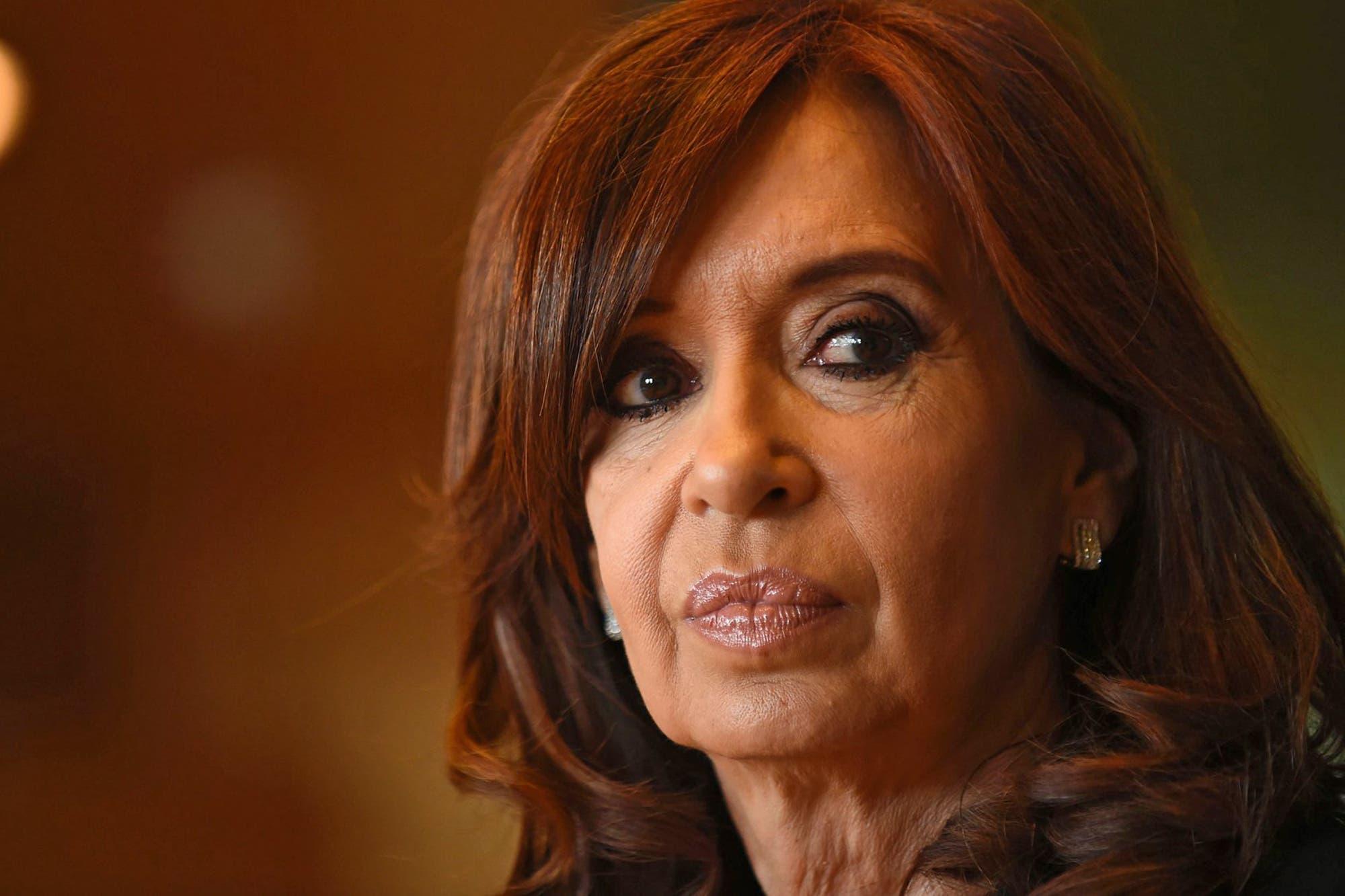 "La denuncia de Cristina Kirchner: ""¿Hasta cuándo me van a seguir espiando?"""