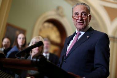 Chuck Schumer, jefe de la minoría demócrata en el Senado, pidió el miércoles al FBI y al FTC, el organismo de protección del consumidor en Estados Unidos, que investigue los riesgos para la seguridad nacional y la privacidad de las personas