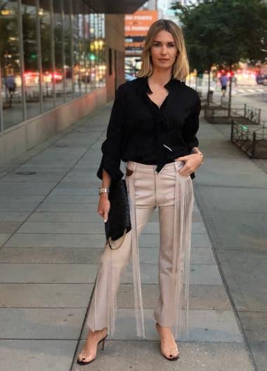Julieta Spina fue a la presentación de la colección de Tommy Hilfiger by Zendaya (el show que más celebrities reunió) y usó un pantalón con flecos de Eva Bomparola.