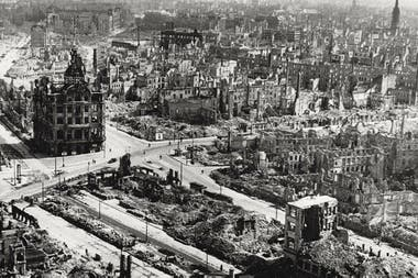 Dresde quedó casi completamente destruida