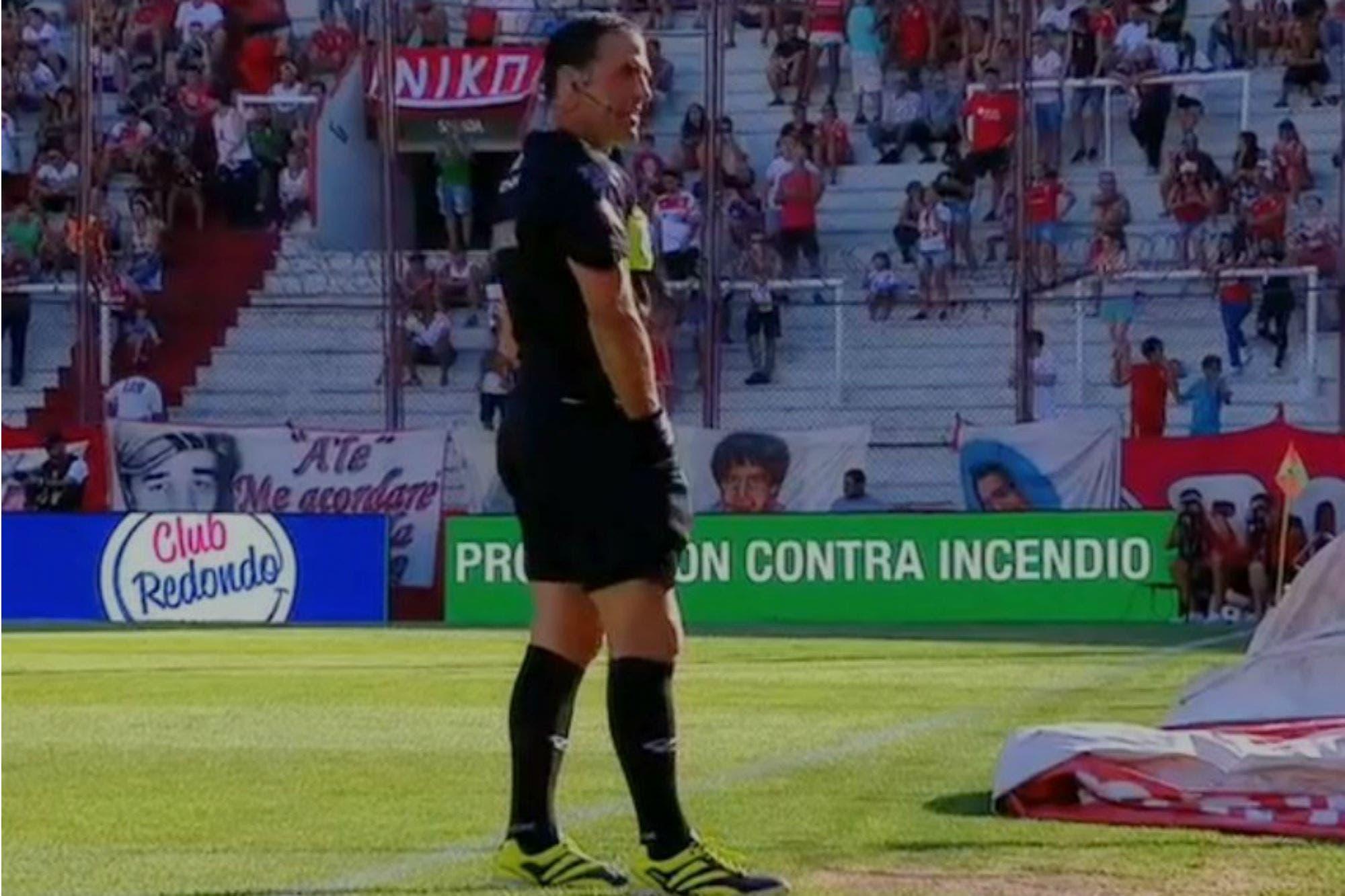 El colmo de un árbitro: Vigliano salió a dirigir Huracán-Aldosivi sin silbato