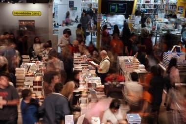 Postergada por primera vez en su historia, empieza la Feria del Libro de Buenos Aires en modo web