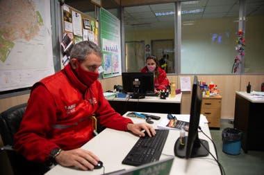 Luján y Pablo trabajan hace cerca de seis años en el SAME y son unos apasionados de su trabajo