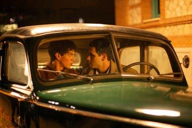 Romper con la discriminación y los prejuicios: ser gay en la España franquista o en la danza, una de las temáticas de la serie dramática de Manolo Caro