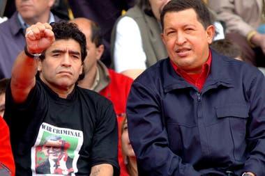 Acompañando a Hugo Chavez, en la contramarcha realizada durante la Cumbre Iberoamericana en Mar del Plata, 2005