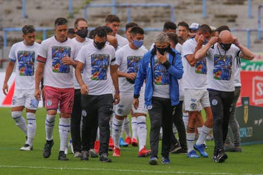 """Santiago """"Morro"""" García, en las camisetas de todo Godoy Cruz"""