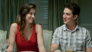 Como la hermana de Miles Teller en The Spectacular Now
