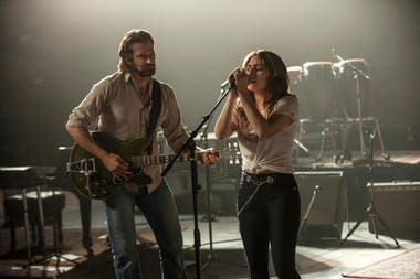 Bradley Cooper y Lady Gaga en A Star is Born
