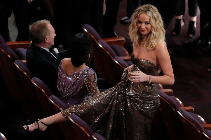 Jennifer Lawrence se toma un descanso y una copita